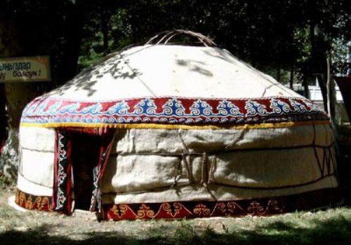 http://neweurasia.net/kyrgyzstan/wp-content/uploads/2011/06/urta.jpg