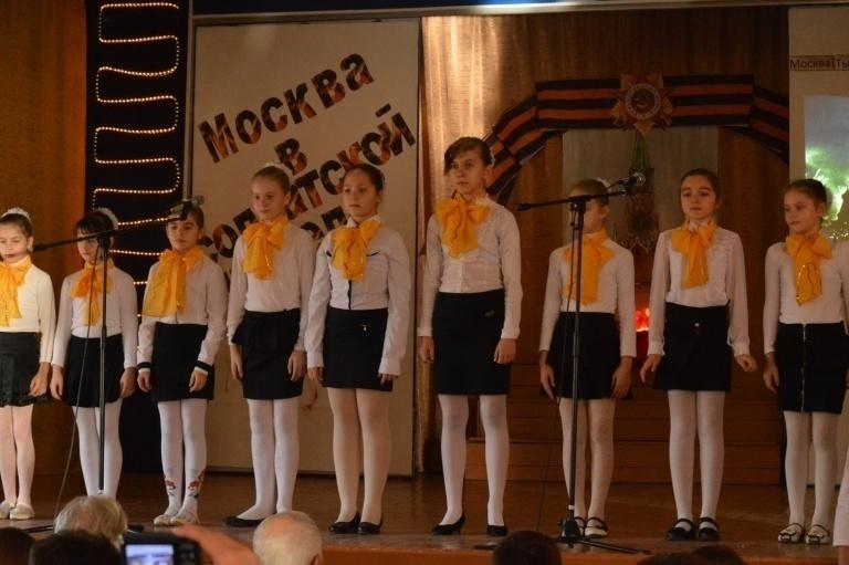 D:\работа2014-15\ШКОЛЬНЫЕ МЕРОПРИЯТИЯ\ПРОЕКТ ВЕЛИКАЯ ПОБЕДА\МОСКВА\ФОТО И ВИДЕО ШИНЕЛЬ\Фото Москва в солдатской шинели\DSC_0199.JPG