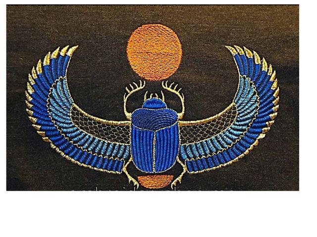 Видя это, древние египтяне связали образ жука с движением солнца по небу. Они...