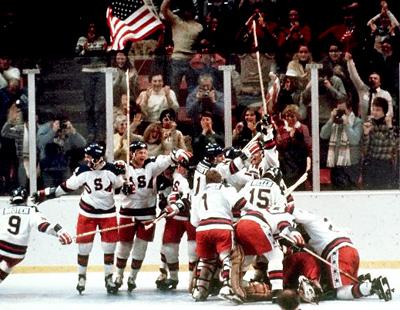 1980 год. Хоккейная сборная США после матча с СССР