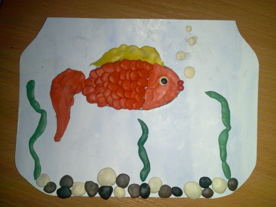Конспект занятия по лепке «Рыбка золотая» (пластилинография) в средней группе