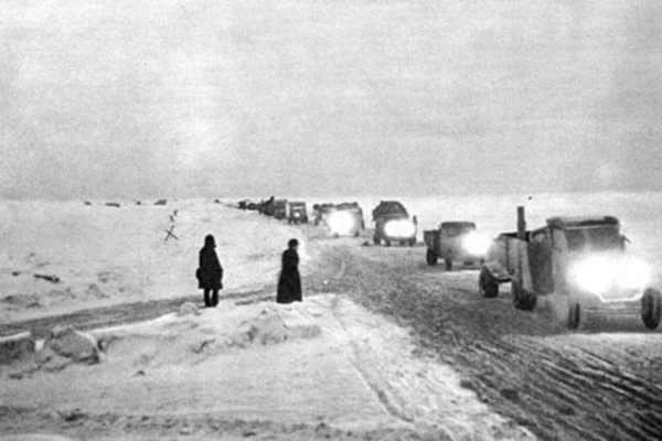 Блокадный Ленинград - фото дороги жизни
