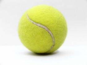 http://sport-prokat.ru/wp-content/uploads/2011/12/CHto-nuzhno-znat-o-tennisnom-myache.jpg