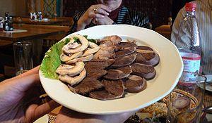 http://upload.wikimedia.org/wikipedia/commons/thumb/3/3e/Horsemeat_platter.jpg/300px-Horsemeat_platter.jpg