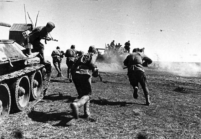 Когда передовые части немецкого командования выходят к Киеву, - Картинка 15260/5