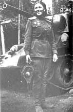 Командир танкового взвода старший лейтенант А. Самусенко