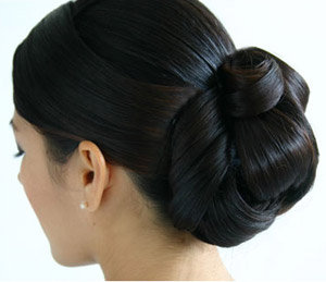 12-black-looped-bun.jpg