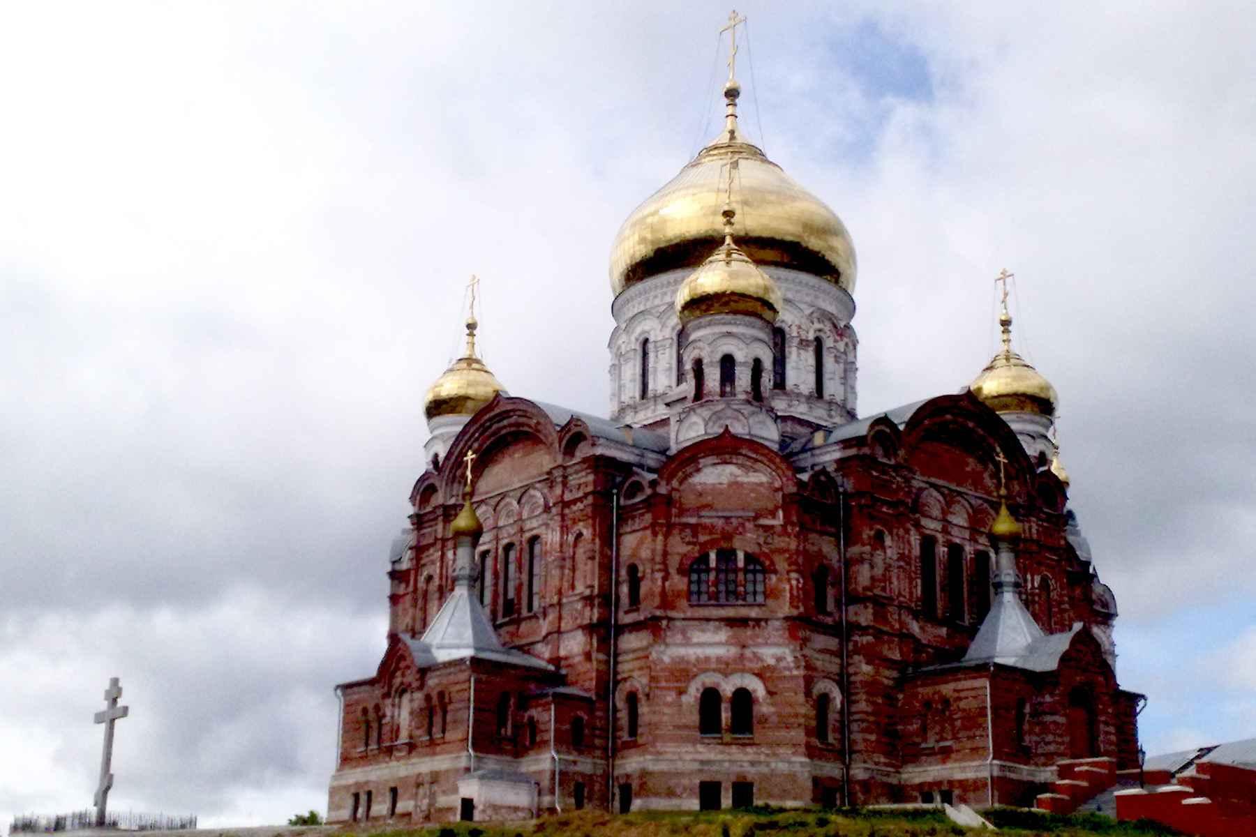 F:\Неделя общеобразовательных дисциплин 1-7 декабря 2014 года\belogorsky-convent.jpg