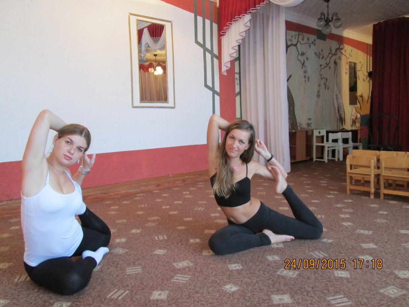 D:\вика\фото\йога с родителями\IMG_1048.JPG