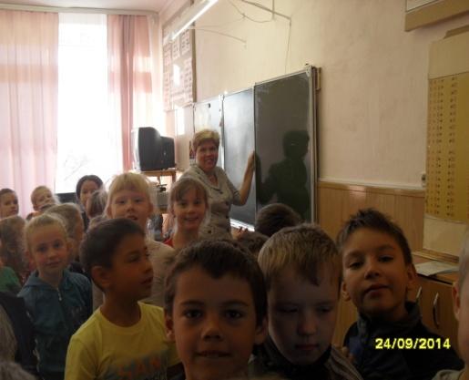 F:\Лена\Архив\фотографии\фото школы 2014-2015\1 сентябрь 2014\24-26 учителя началка\SDC13112.JPG