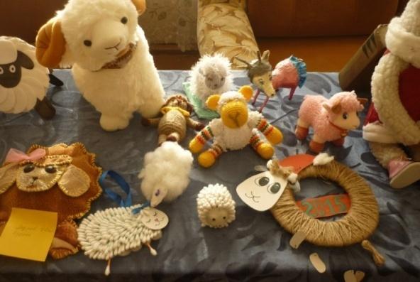D:\фото школа 2014-2015\4. декабрь 2014\22.12.14 овечки игрушки\P1090458.JPG