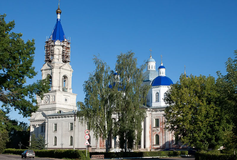 http://russianasha.ru/files/tours/images/77/63/voskresenskiy-sobor-kashin-2.jpg