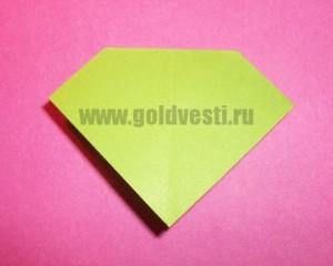 http://goldvesti.ru/wp-content/uploads/2012/12/kak-sdelat-bantik-iz-bumagi-10-300x240.jpg