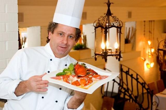 Купить фотографии: Шеф-повар и владелец ресторана Адриатико. Марциано Палли. Фотобанк РОСФОТО: фотографии высокого разрешения, п
