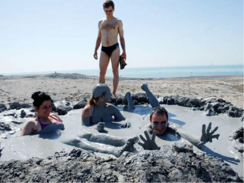 По количеству грязевых вулкановАзербайджан занимает первое место в мире. В А...