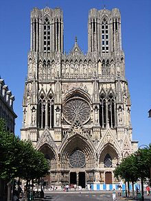 https://upload.wikimedia.org/wikipedia/commons/thumb/e/e1/Reims_Kathedrale.jpg/220px-Reims_Kathedrale.jpg