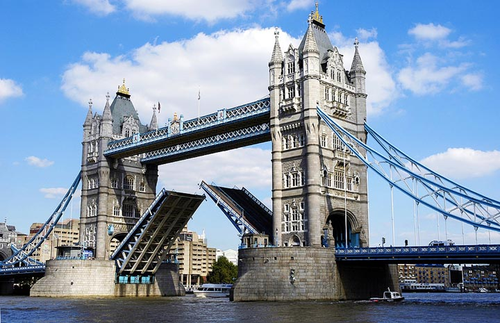 Tower bridge!!.jpg