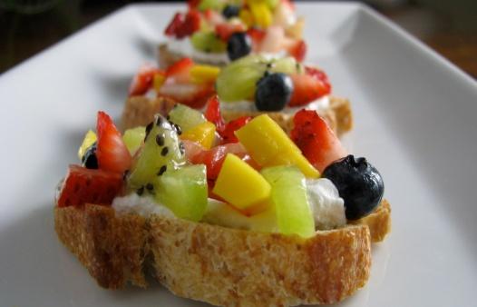 reteta-salata-de-fructe-exotice-1.jpg